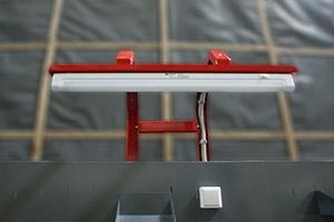 Светильник установленный на слесарном верстаке серии Гефест-ВС-105-ЭПОБ