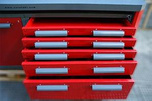 Выдвижные ящики четырехтумбового слесарного верстака серии Гефест-ВС-2244