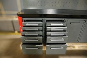 Ящики для хранения слесарного инструмента на верстаке Гефест-ВС-5511-ЭП