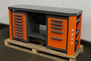 Слесарный верстак с пятью выдвижными ящиками