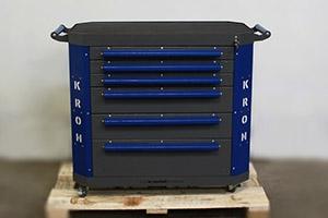 Фото инструментальной тележки Гефест-ТИ-06 серо-синего цвета вид спереди