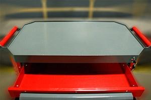 Выдвижной ящик инструментальной тележке Гефест-ТИ-6 вид изнутри