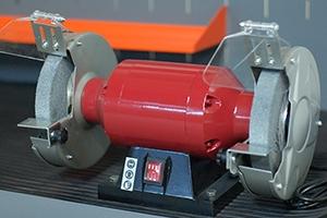 Фотография металлического точильного станка