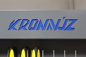 Своя надпись на изделии экрана серии KronVuz