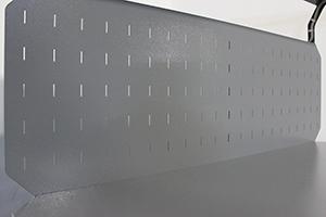 Фото перфорированного экрана верстака Гефест-ВС-501-ЭПО