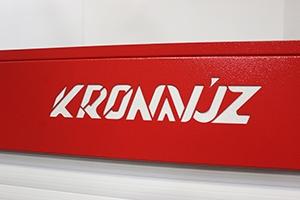 Своя надпись на изделии инструментального шкафа серии KronVuz