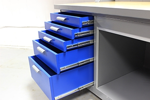 Металлические выдвижные ящики верстака слесарного KronVuz