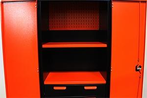 Внутренний вид инструментального шкафа KronVuz Box 1421