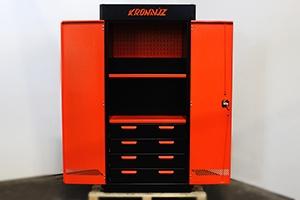 Инструментальный шкаф KronVuz Box 1421 с открытыми дверьми