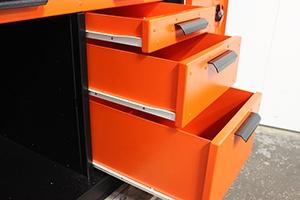 Выдвижные ящики инструментального шкафа