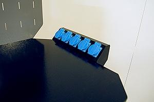 Фото блока розеток слесарного верстака Гефест-ВС-5225-ЭПБ