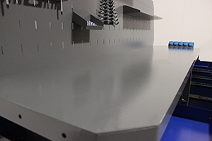Фото рабочей поверхности столещницы верстака Гефест-ВС-5005-ЭПОБ
