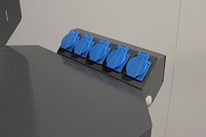 Фото блока розеток слесарного верстака Гефест-ВС-5005-ЭПОБ