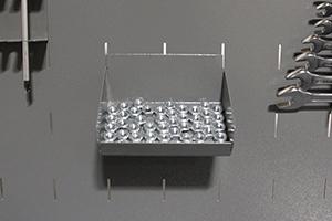 Фото навесной полки для метизов верстака Гефест-ВС-5005-ЭПОБ