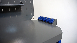 Фотография блока розеток верстака серии Гефест