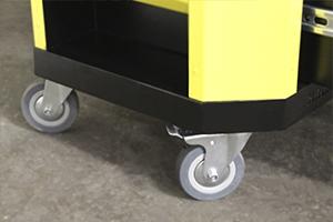 Комплект колес установленных для мобильности тележки