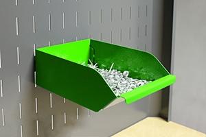 Фотография навесного металлического лотка