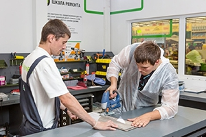 Фотографии верстаков в школе ремонта