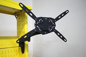 Фото металлического держателя для монитора