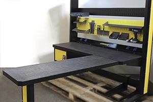 Дополнительный угловой стол для рабочего места мастера