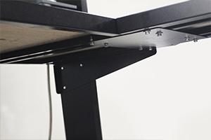 Фото металлического крепления дополнительного стола