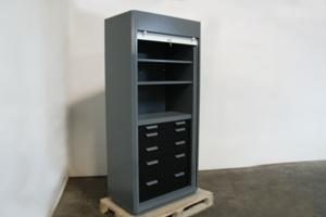 Фото шкафа для инструментов KronVuz Box 1530R