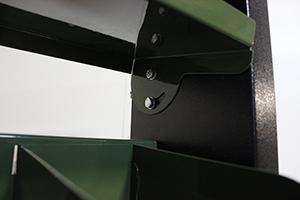 Фото металлической навесной наклонной полки