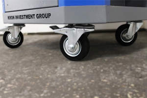 Фото комплекта колес на инструментальной тележке