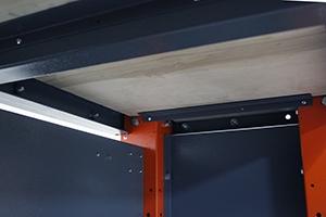 Стальная конструкция слесарного верстака