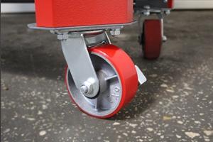 Фотография комплекта колес слесарного верстака