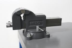 Фото металлических тисков
